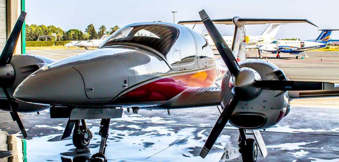 aircraft multiengine diamond