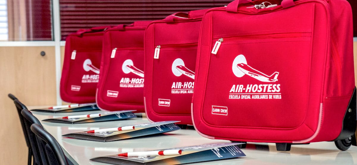 material air hostess malaga para curso de tripulante de cabina