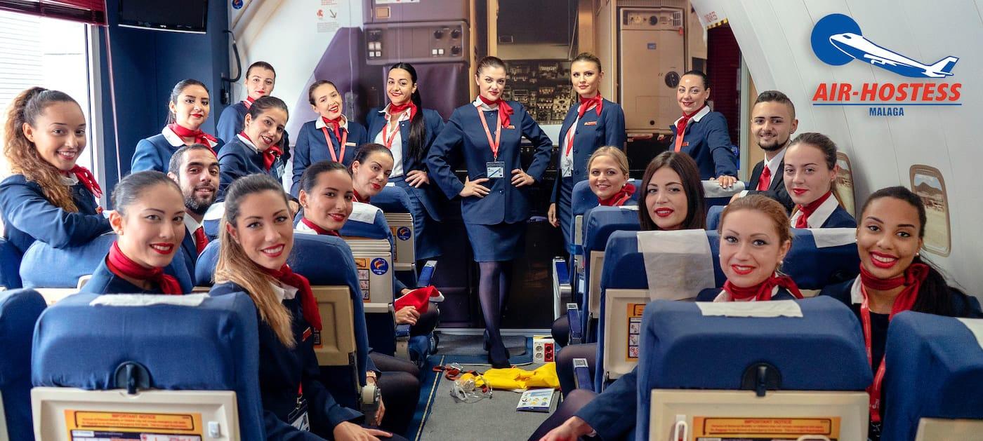 tcps de air hostess malaga en simulador de avion de pasajeros