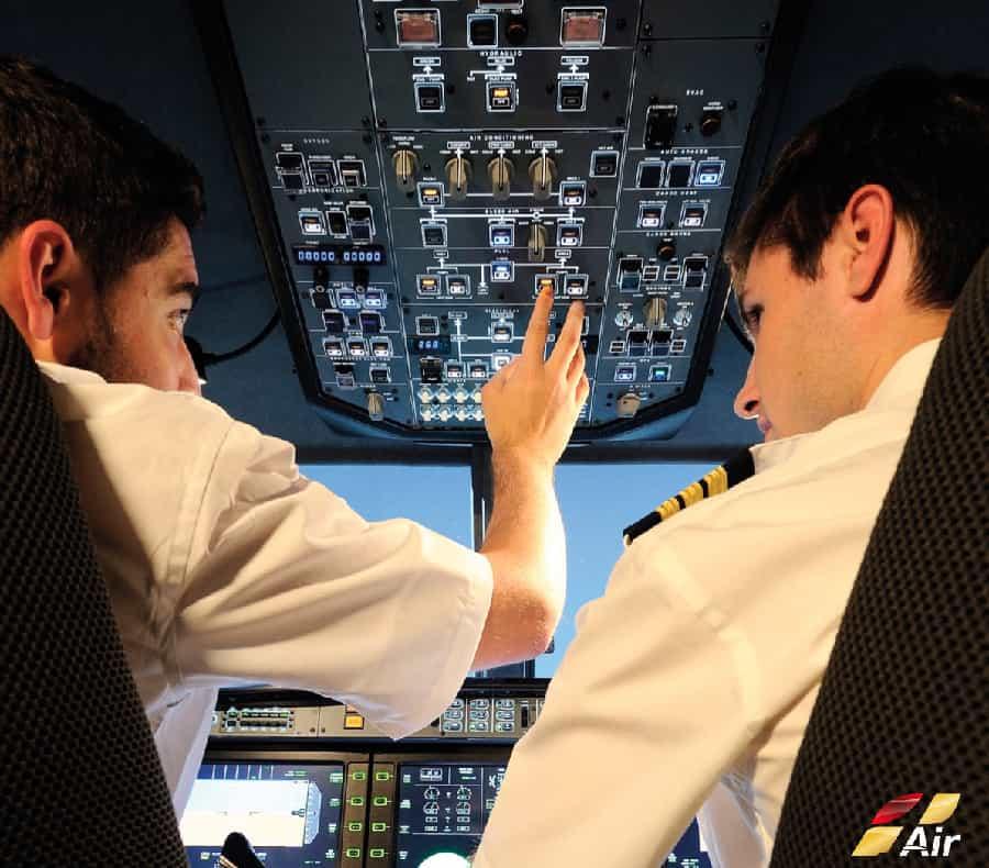 cabina simulador de vuelo alsim alx panel superior comandante vuelo