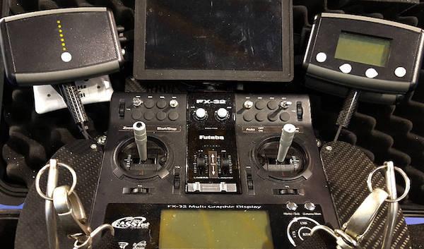 mando-radio-control-futaba-drones