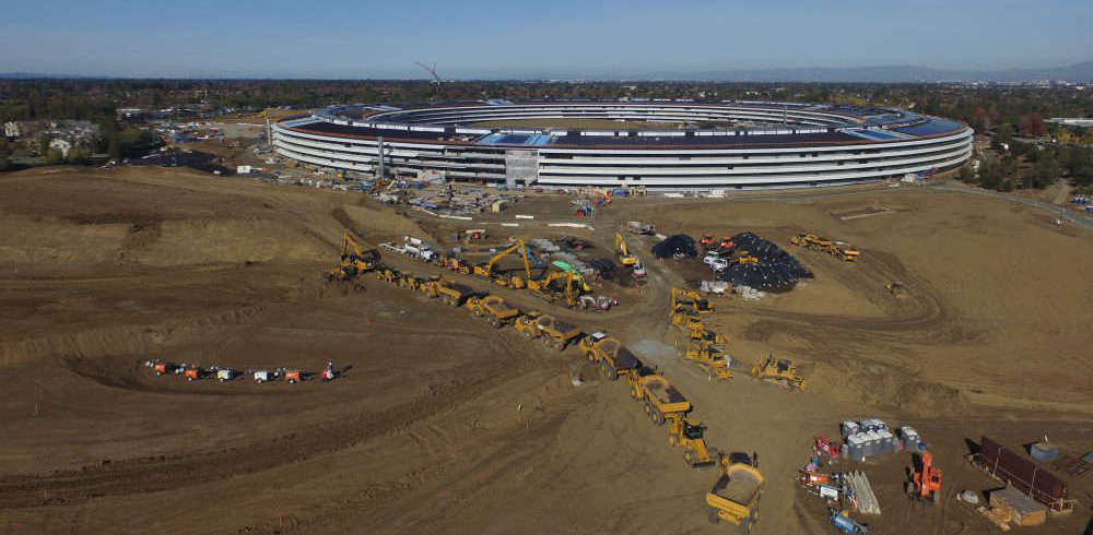 vista aerea de trabajos de construccion del apple campus 2 en california