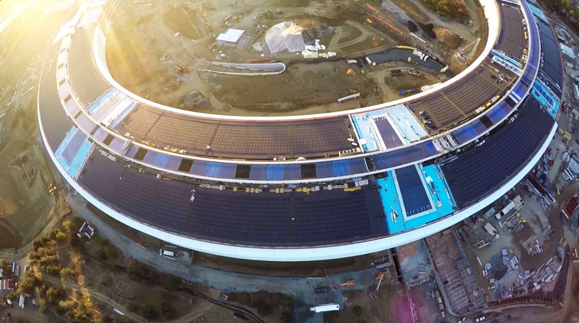 vista aerea de la construccion del apple campus 2 en california