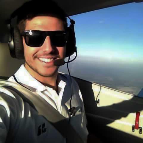 ex alumno del curso de piloto de avion privado de one air aviacion