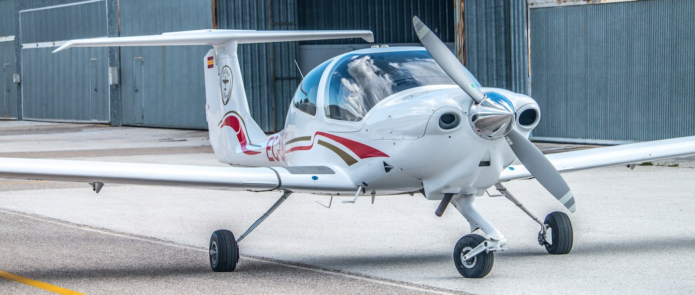 aeronave diamond da40 de one air aviacion