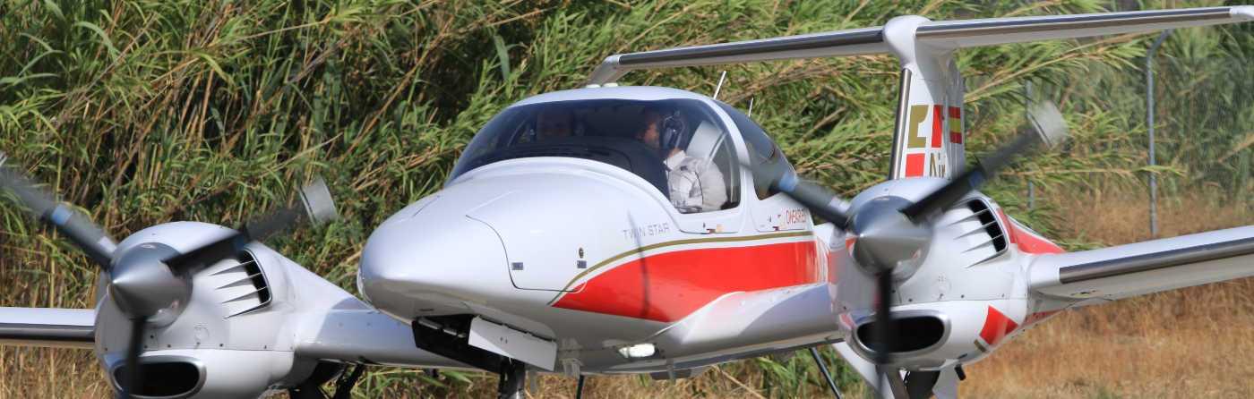 aeronave diamond da42 de one air aviacion