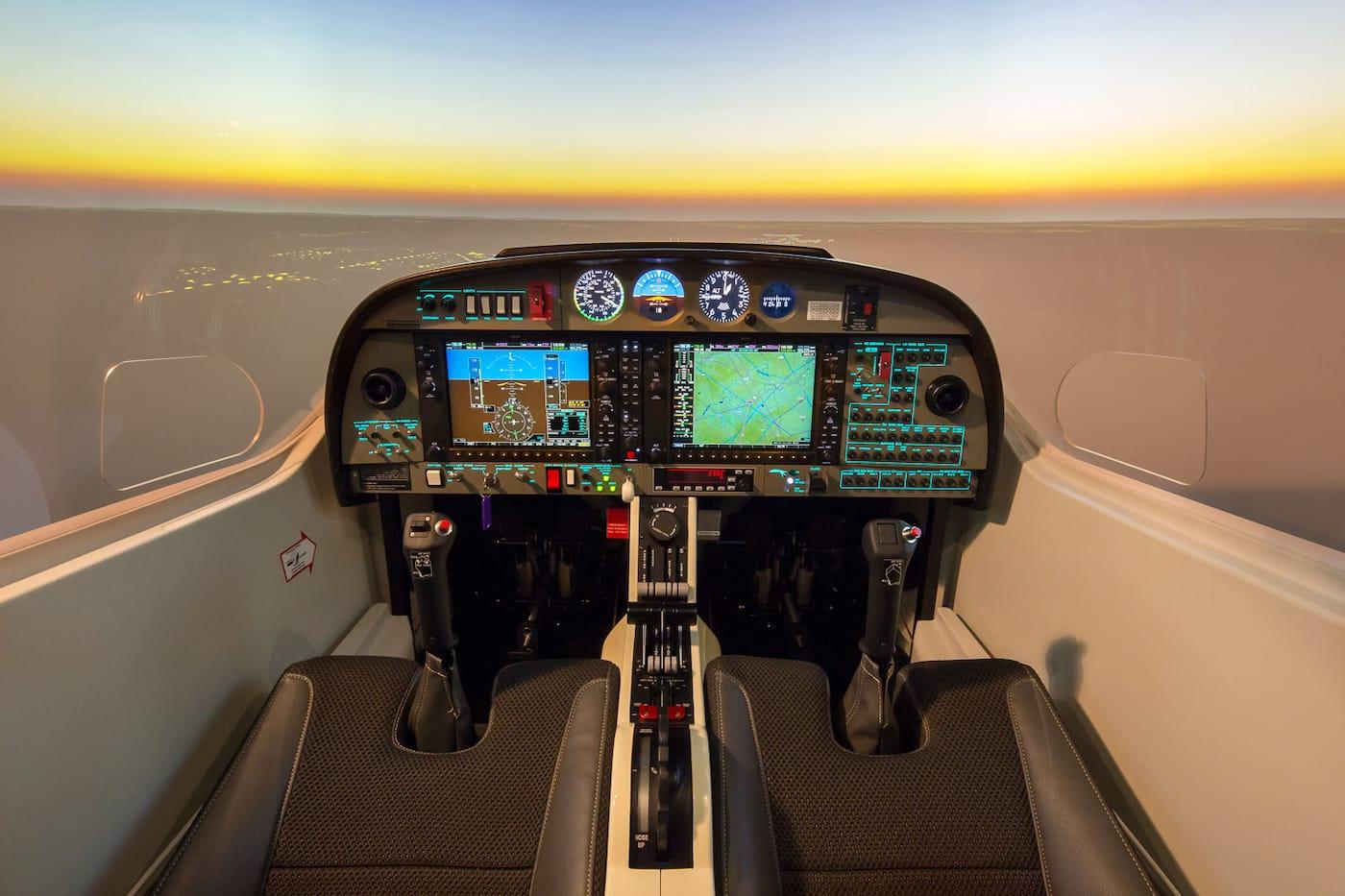 vista interior de simulador de vuelo alsim al42
