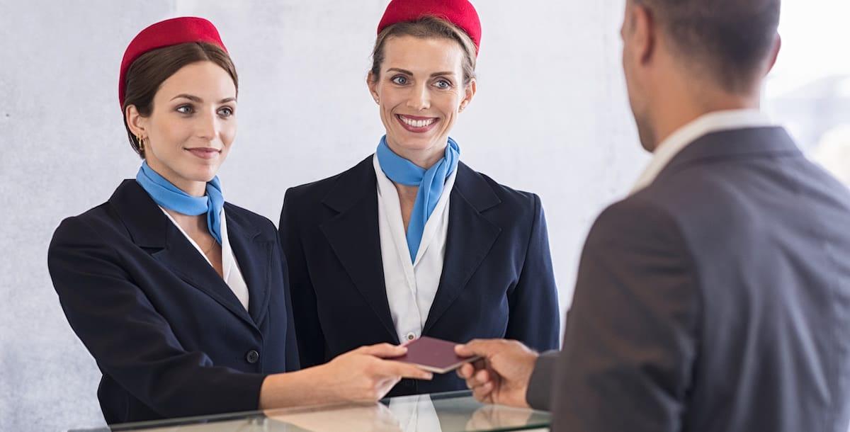 Ejemplo de resolución de conflicto con cliente para entrevista de azafata de vuelo.