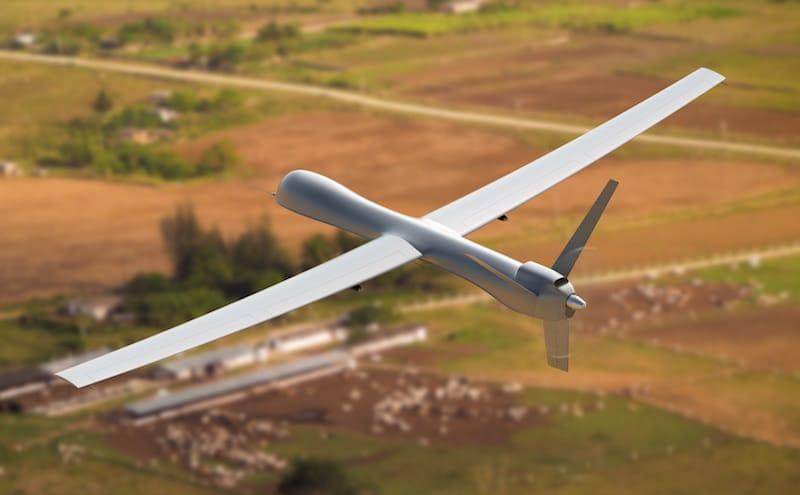 Dron de ala fija, utilizado en trabajos de vigilancia aérea con drones.